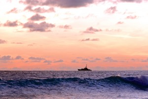barbados destination wedding photography joseph tufo sunset boat